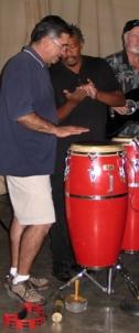joe-willie-teaches-eddie-how-to-drumb